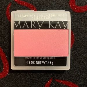 Mary Kay Mineral cheek color Strawberry Cream